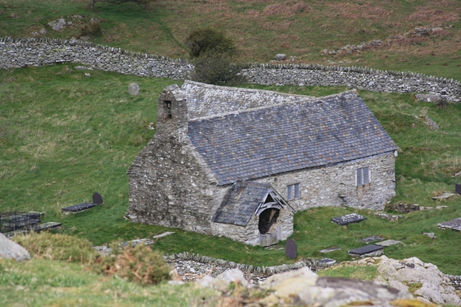 Llangelynin Old Church - photo Wellhopper